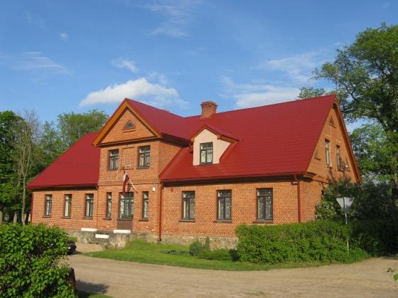 vecā ēka