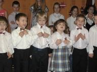 Mūsu mazākie bērni uzstājas ar dziesmiņu koncertā veltītam Latvijas Republikas 96. gadadienai.