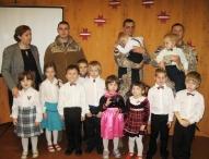 Pirmsskolas grupiņa tiekas ar mūsu viesiem- Dobeles 51. ZS bataljona karavīriem.