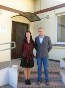Projekta koordinators Adams Stašs no Polijas un koordinatore no Bērzupes skolas Zinta Reinfelde