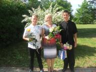 Mūsu absolventi Mārtiņš Sargūns un Vladimirs Moskvins  ar skolotāju  Veltu Ivaškinu
